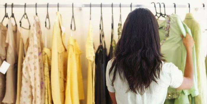Stock di abbigliamento donna? Chiama noi